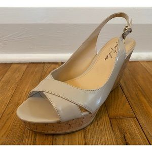 👡 Marc Fisher Patent Peep Toe Cork Wedge Sandals